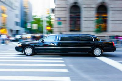 Ohio dad overcomes bus shortage, transports kids to school in limo